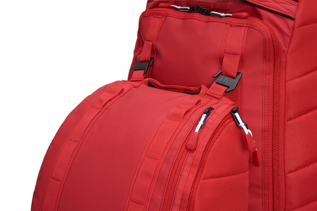 Douchebags Base 15L -Läppärireppu Scarlet Red