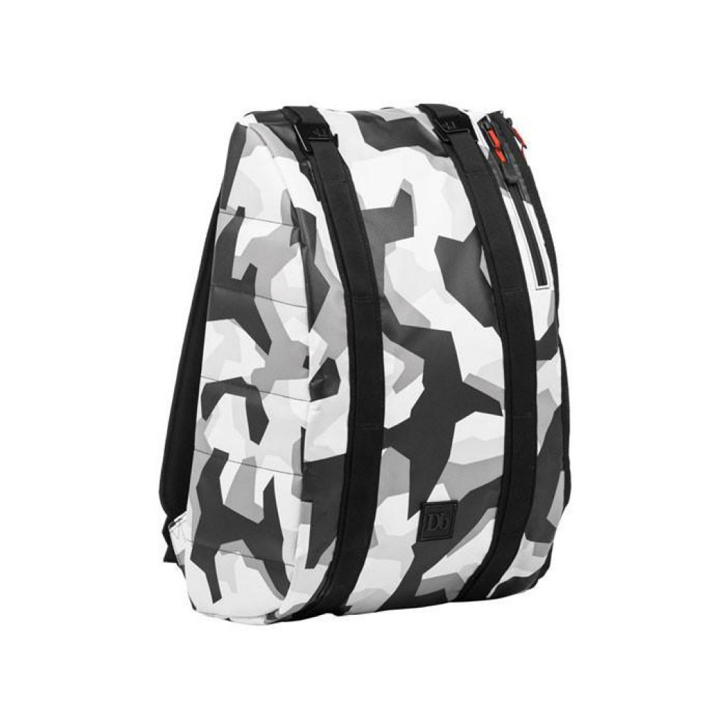 Douchebags Base 15L Jon Olsson Camo -Läppärireppu Base 15L Jon Olsson Camo
